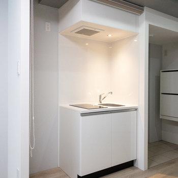【LDK】シンプルなキッチンです。
