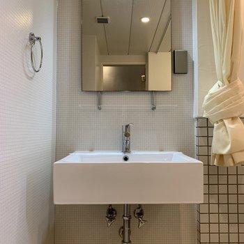 高級ホテルかのような洗面台。