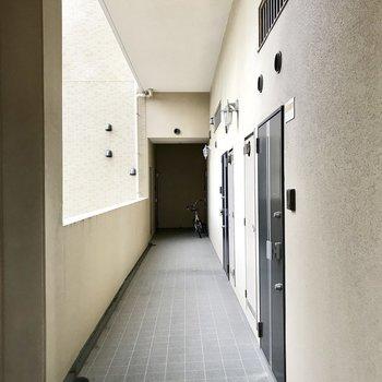 そして廊下も天井高い・・・!