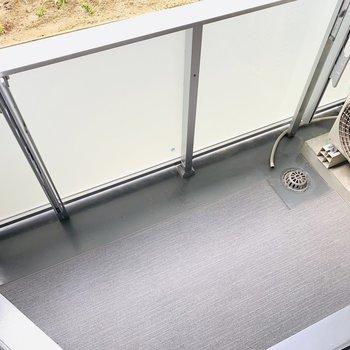 浴室乾燥機もありますが、ここで干すことも出来ますよ。(※写真は1階の同間取り別部屋のものです)