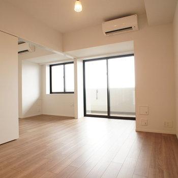 【LDKと洋室】自然を感じられる空間で暮らしましょう。