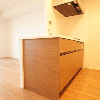 【LDK】キッチンもゆったりしていますよ。