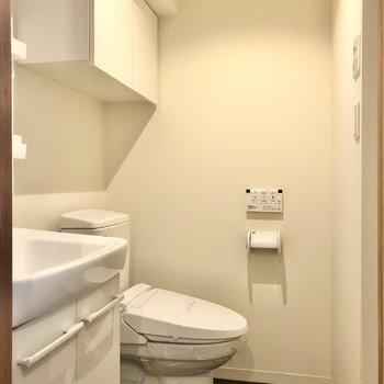 バスルームへ。