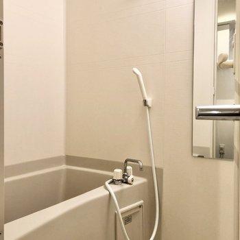浴室乾燥機付きで室内干しに便利です。