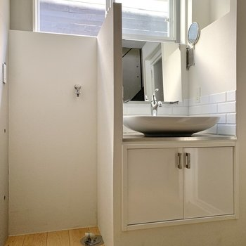 丸みのある可愛らしい洗面台