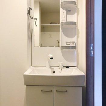 便利な独立洗面台もしっかりあります◎※写真は別部屋のものです
