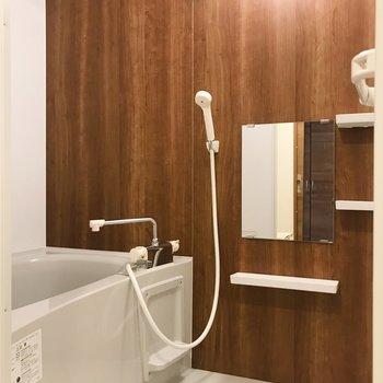 お風呂もナチュラルにまとめて。※写真は別部屋のものです