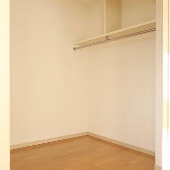 洋室の収納はオープンタイプなんです
