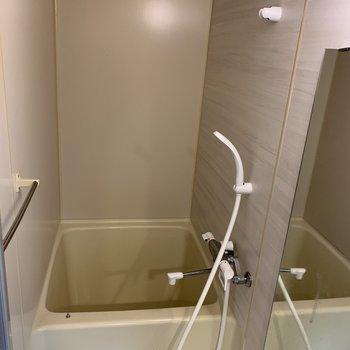 こちらもミニマムなお風呂。