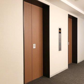 お部屋まではエレベーターをお使いください。