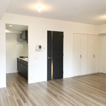 居室にはクローゼットがあります。※写真は2階の同間取り別部屋のものです