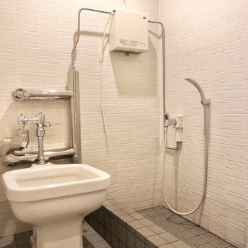 エントランス横にはワンちゃんを洗えるスペースがあります。