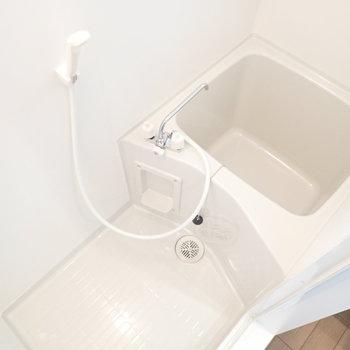 お風呂は小さめですが、お掃除はしやすい!