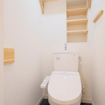 トイレはウォシュレット付きで、収納力もある点がポイント