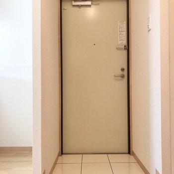 玄関です。出入りしやすい空間になってます。