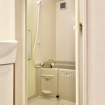 浴室はこちら。