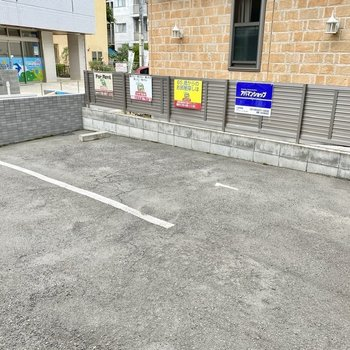 駐車場(空きなし)。