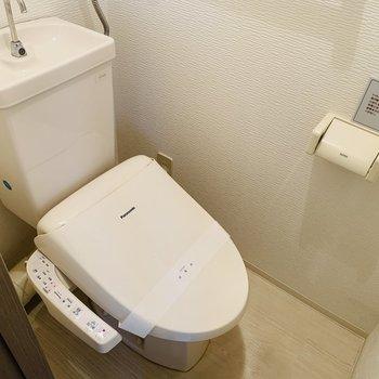 おトイレはウォッシュレット付き♪