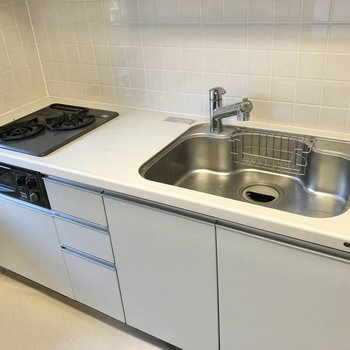 【LDK】ワイドなシンクで皿洗いもしやすそう。