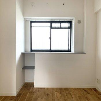 【寝室イメージ】こちらにも窓ありますよ〜!※床材はヤマグリになります