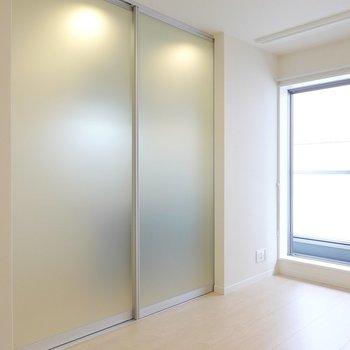洋室とは半透明の引き戸で仕切れます。匂い対策にも◎