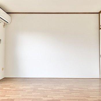 【洋室約6帖】
