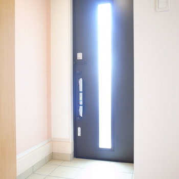ゆとりのある玄関です。右側は、
