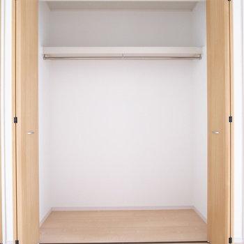【2階 洋室6帖】先ほどと同じ形です。ペット用品の収納にも使えそう。