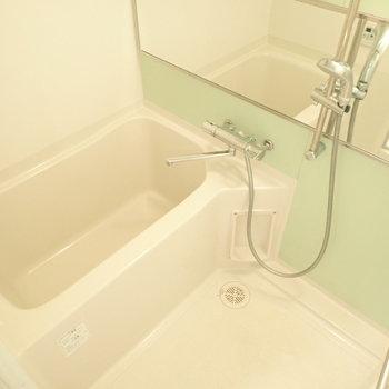 ミントグリーンのお風呂!さっぱりできそう!