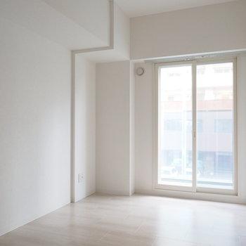 5.87帖の洋室。※写真は同間取り別部屋です