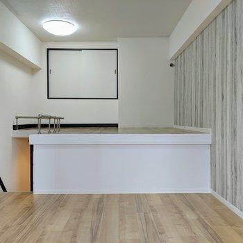 【洋室】ロフトの段差の高さは約1mですよ。簡易的な段差を置くとよさそう。