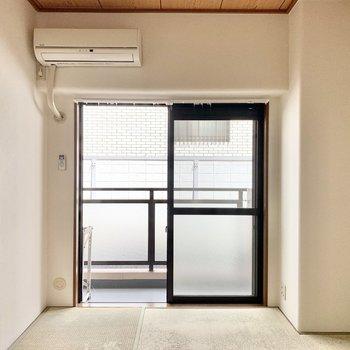 【和室】和室にもお隣の洋室にもエアコンが付いていますよ。