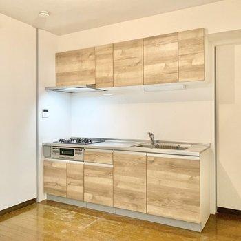 【DK】キッチン横に冷蔵庫が置けます。