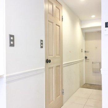 (このドア、素敵だなぁ。)