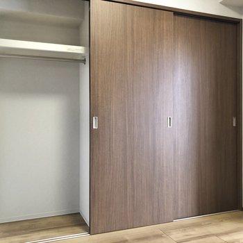 【洋室】※写真は9階の同間取り別部屋のものです