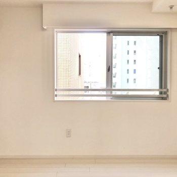 明るく風通しの良いお部屋です。※写真は4階の反転間取り別部屋のものです