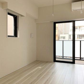 2面採光で風通し良好です※写真は3階の同間取り別部屋のものです