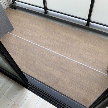 木目調がオシャレですね。※写真は3階の同間取り別部屋のものです