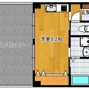 ルーフバルコニーの広さが間取り図からも伝わってくる……笑(※実際は反転間取りです)