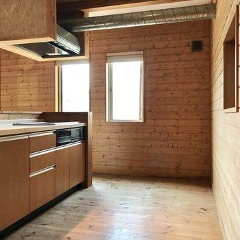 並べる冷蔵庫や食器棚たちも、とことんこだわってくださいね♩