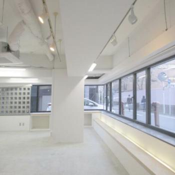 白色統一されたオフィスです!