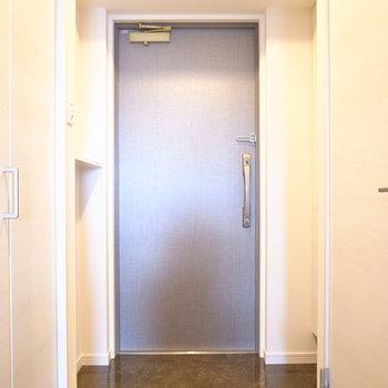 玄関もゆとりあります。