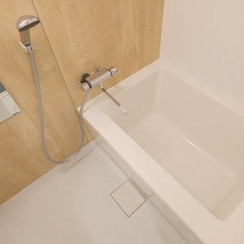 お風呂も一新!新しいものに交換します◎※写真は2階の似た間取り、別部屋のもの