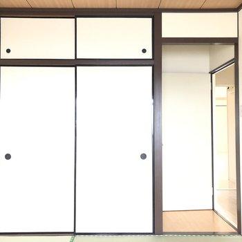 【和室6帖】このお部屋にも収納がついています。