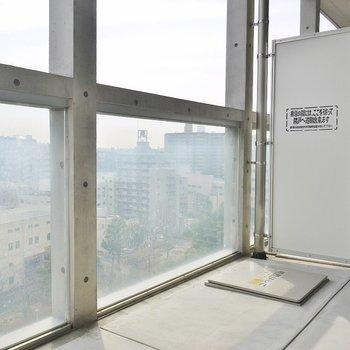 バルコニー広い♩(※写真は11階の同間取り別部屋のものです)