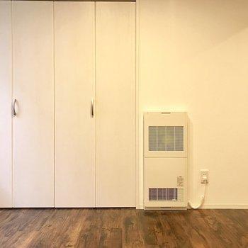 この壁と床の相性がやっぱいいんだよね※写真は同間取り別部屋です