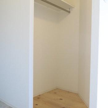 土間の横にはクローゼット◎(※写真は6階の同間取り別部屋のものです)