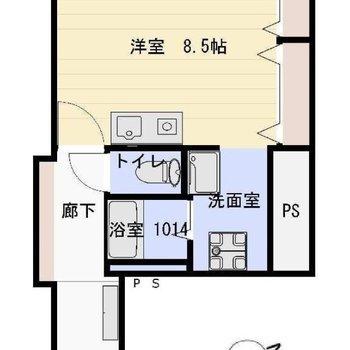約8.5帖、広々とした洋室が特徴です。