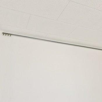 【DK】壁にはフック付き。