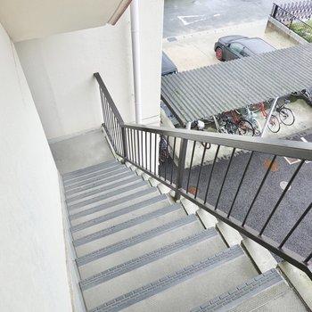 お部屋は3階でアクセスは階段のみ。